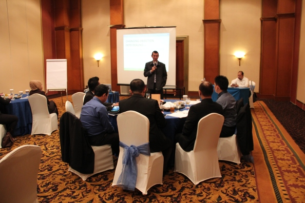 AXA Life Seminar Bisnis